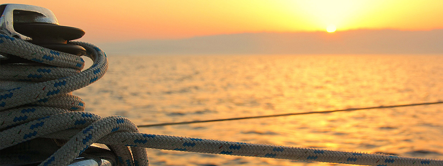Sonnenuntergang Seil Tau fest Meer Yacht