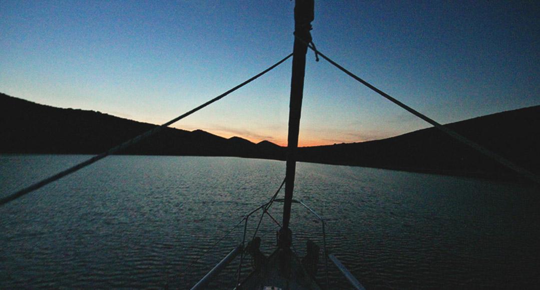 Ausblick Sonnenuntergang Berge Meer