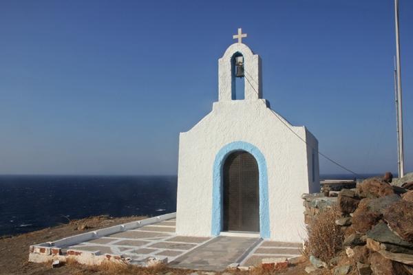 Kirche an der Küste, Meer