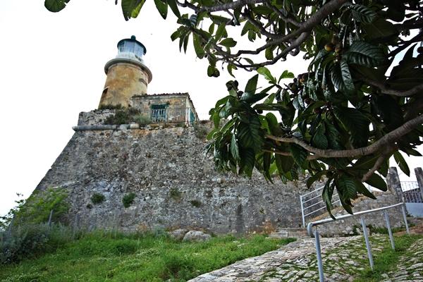 Korfu Gebäude Segelreisen Sporedo