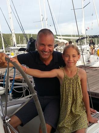 Glücklich Familie Segeln Segelreisen