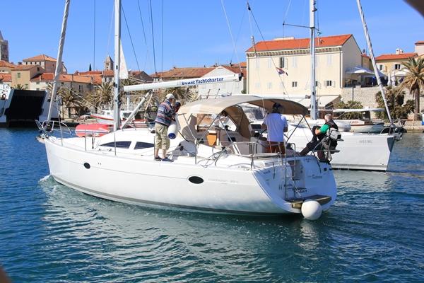 Städtchen Sporedo Segelreisen