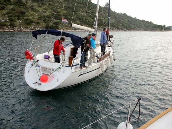 Yacht Segeln zusammen Sporedo