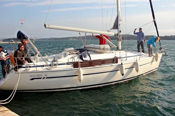 Glücklich Hafen Yacht Sporedo