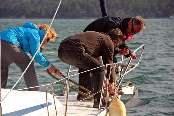 Zusammenhalt Teamwork Segeln bei Sporedo
